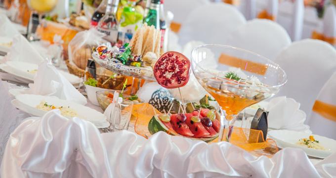 Oferujemy bogate menu dostosowane do potrzeb naszych wszystkich gości!